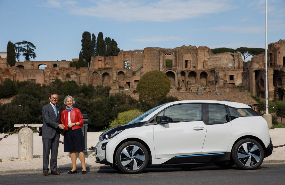 Una BMW i3 per l'Ambasciatore tedesco in Italia