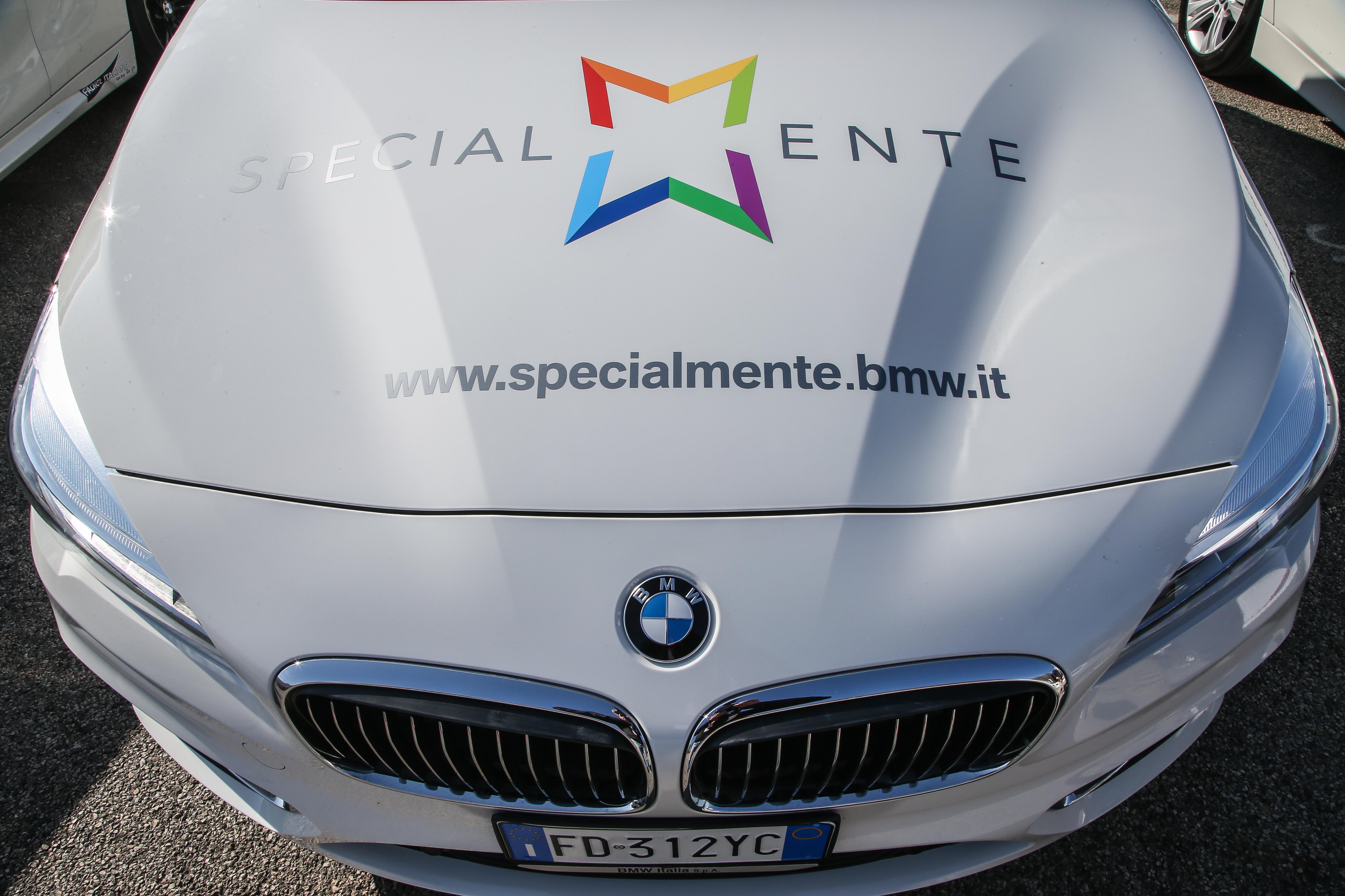 I primi corsi di guida per i disabili alla BMW Driving Experience