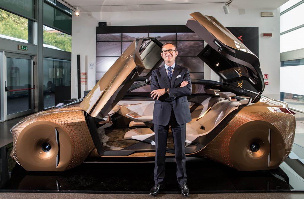 Il presiente Sergio Solero con BMW Vision NEXT 100 a BergamoScienza